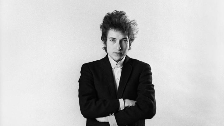 a-exposicao-photographs-of-bob-dylan-reune-fotos-feitas-por-daniel-kramer-durante-turne-do-bardo-entre-1964-e-1965-kramer-registra-a-metamorfose-do-artista-de-trovador-folk-a-icone-do-rock-n-roll-1353